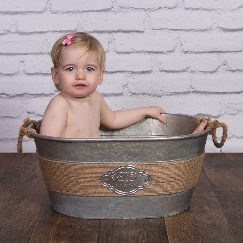 Emilie Saville in the bath